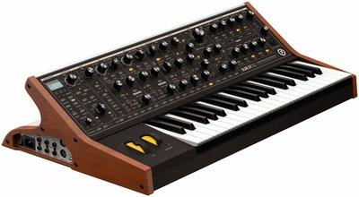 Студийные синтезаторы